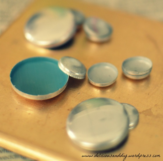 button holder
